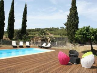 Mas de Thau - Syrah - Family friendly gite for 4 g - Montagnac vacation rentals