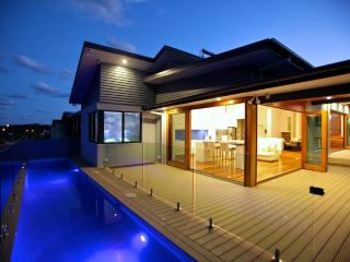 Beachside on Australia's Solitary Coast - Sapphire Beach vacation rentals
