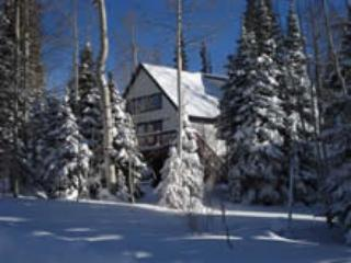 Best value & location in Brian Head! Cozy comfort! - Brian Head vacation rentals