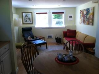 Urban Oasis: Cozy 1BD Apartment - Seattle vacation rentals