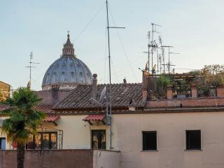 La Porta Rossa di Borgo - Rome vacation rentals