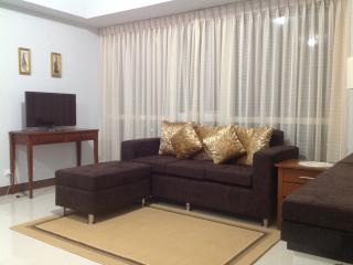 Legrand condo at Eastwood city - Quezon City vacation rentals