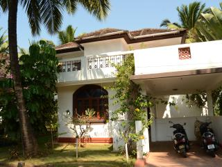 Beautiful Villa with Deck and Internet Access - Betalbatim vacation rentals