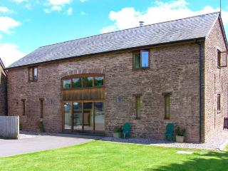 CWRT ST THOMAS, modern barn conversion, WiFi, woodburner, beautiful countryside - Monmouth vacation rentals