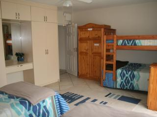 Perfect 2 bedroom Condo in Southport - Southport vacation rentals