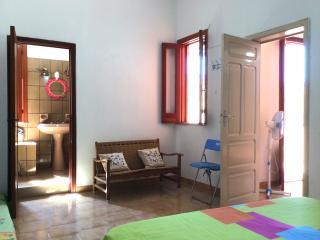 Casa Rosada a 2 km dal MARE. NATURA e CULTURA - Avola vacation rentals
