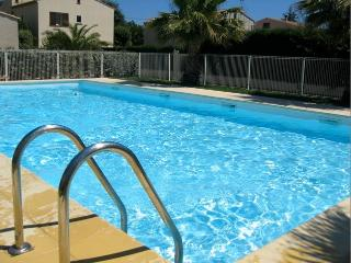 Superb 3 Bed Apart in Agde - Pool and Parking - Agde vacation rentals