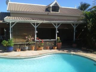 Charming 3 bedroom Tamarin Villa with A/C - Tamarin vacation rentals
