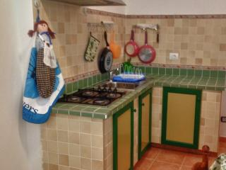 2 bedroom House with Linens Provided in Frontone - Frontone vacation rentals