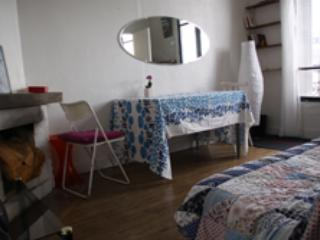 GOOD DEAL:2ROOM for 3, close to PARC+CANAL/TRENDY - Pantin vacation rentals