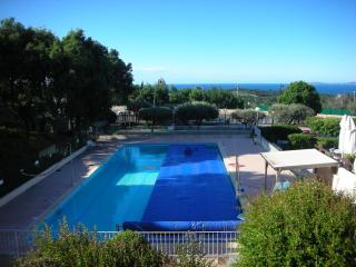 sea view apartment close to village centre - La Croix-Valmer vacation rentals