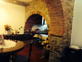 casa Mari - Capolona vacation rentals