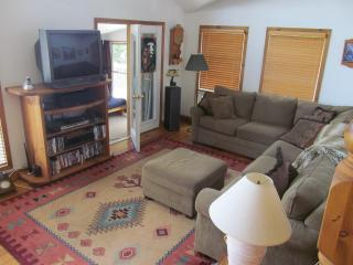 Casa Abundancia Cottage on Sturgeon Lake, Ontario - Fenelon Falls vacation rentals