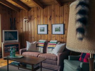 Waterfront Cottage Rental: Buckhorn, Ontario - Buckhorn vacation rentals