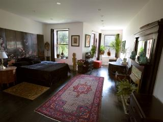 Beautifully Appointed Suite in Manhattan Townhouse - New York City vacation rentals