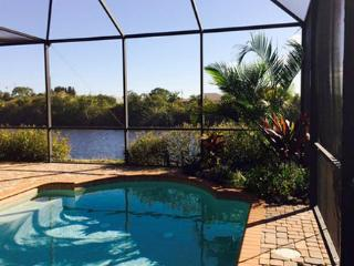 Cape Coral house faces south overlooking a canal - Cape Coral vacation rentals