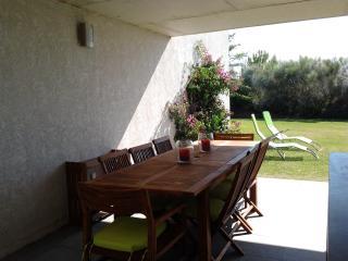 Villa com jardim privado em condomínio de luxo - El Rompido vacation rentals