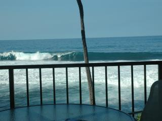 Oceanfront Condo, WIFI Sunsets Huge Lanai, Parking - Kailua-Kona vacation rentals