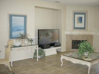 Beautiful Mountain Views in Palm Springs Resort Community - Palm Springs vacation rentals