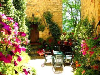 Patio area leads into kitchen/diner - a86e395c-55d3-11e2-b9fa-b8ac6f94ad6a - Ferentillo - rentals