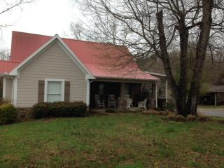 Cottage on Tim's Ford Lake - Estill Springs vacation rentals