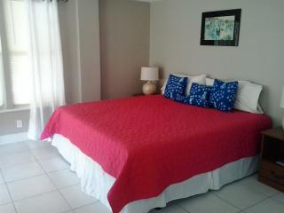 Perfect House with Deck and Internet Access - Grand Bahama vacation rentals