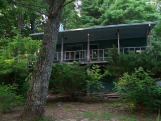 4th Night FREE!Helton Falls Lodge-Guesthouse cabin - Blairsville vacation rentals