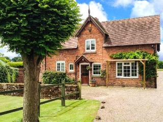 STABLE COTTAGE, family friendly, character holiday cottage, with a garden in Tilston, Ref 5480 - Tilston vacation rentals