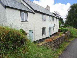 GREENSLADES, pet-friendly, open fire, woodburner, garden, in Exford, Ref. 27158 - Exford vacation rentals