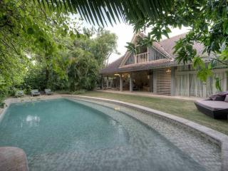 Villa Azzalea - Jimbaran vacation rentals