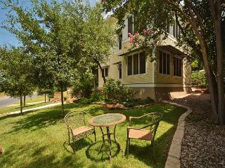 3BR, 2BA Townhome on W 6th St in Clarksville – 5-Star Energy Efficient - Austin vacation rentals