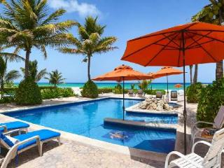 Villa Picon - Spacious beachfront villa, large private pool, Jacuzzi & nearby beach activities - Playa del Secreto vacation rentals