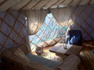 la yourtinette - Ploneour Lanvern vacation rentals