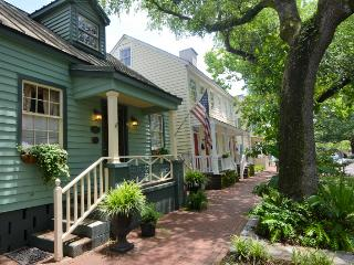 1867 Robert Low Home on Jones SVR00232 - Savannah vacation rentals
