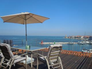 Sea view Apartment with rooftop terrace - Piran vacation rentals