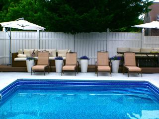 Stylish Guest House, Pool, Continental Breakfast, Daily Maid Service - Vineyard Haven vacation rentals