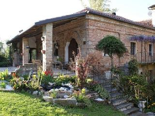 1 bedroom Farmhouse Barn with Deck in Gabiano - Gabiano vacation rentals
