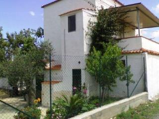 Bilocale con terrazzo - Peschici vacation rentals