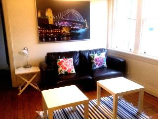 Beachside lifestyle while exploring Sydney - BONDI - Bondi vacation rentals