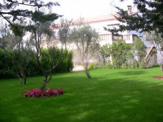 Belle propriete au calme, parc, piscine sécurise - Montpellier vacation rentals