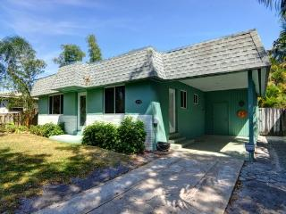 Gorgeous Pool Home Close to Everything! - Fort Lauderdale vacation rentals