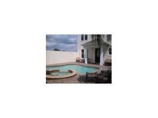 Front of property, pool and spa - b4482f2c-965e-11e3-8d26-782bcb2e2636 - World - rentals