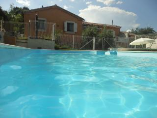 VILLA PISCINE SPACLIM NIMES10PERS 5CH 950À1800€/S - Nîmes vacation rentals
