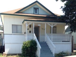 Hunting, fishing, hiking, urban base camp in the Mill Pine National Historic District - Roseburg vacation rentals