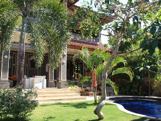 Villa Momo-Mansion looking over Jimbaran Bay - Jimbaran vacation rentals