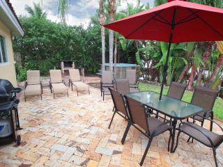 Bayside Bungalow: On Waterway with Dock. - Fort Lauderdale vacation rentals