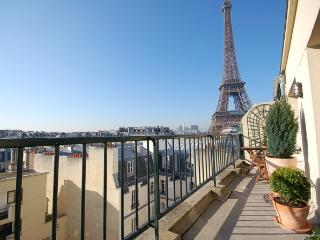 Nice House with Internet Access and Dishwasher - Paris vacation rentals