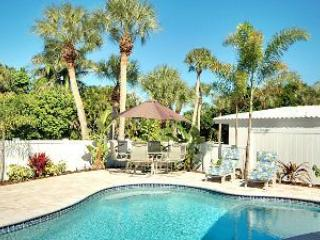 Enjoy Balmy Breezes and Sparkling Pool Waters - Blue Wave Villas-207E 75th St - Holmes Beach - rentals