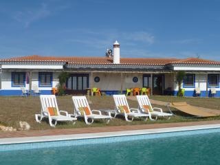Vale da Cegonha Casa Coruja e Aguia - Ourique vacation rentals