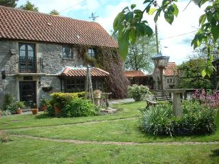 Spindle Cottage unique C17th stone built. Charming - Binegar vacation rentals